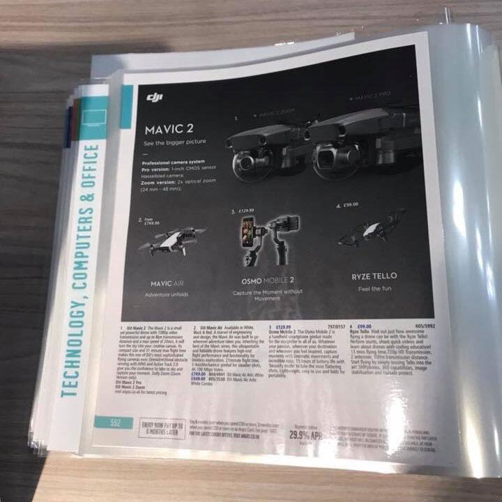 Gambar DJI Mavic 2 Pro dan Mavic 2 Zoom pada lembar katalog Argos / @Chromonian (Twitter)