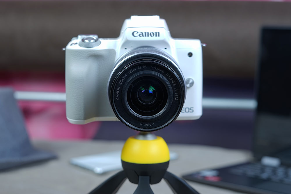 Review-Canon-EOS-M50