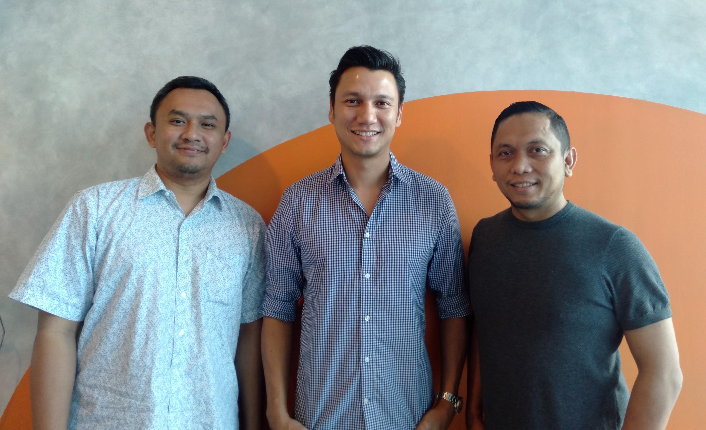 (Kiri-kanan) Pandu Wirawan (COO), Christian Sugiono (CEO), Yazid Faizin (CMO) / Cumi