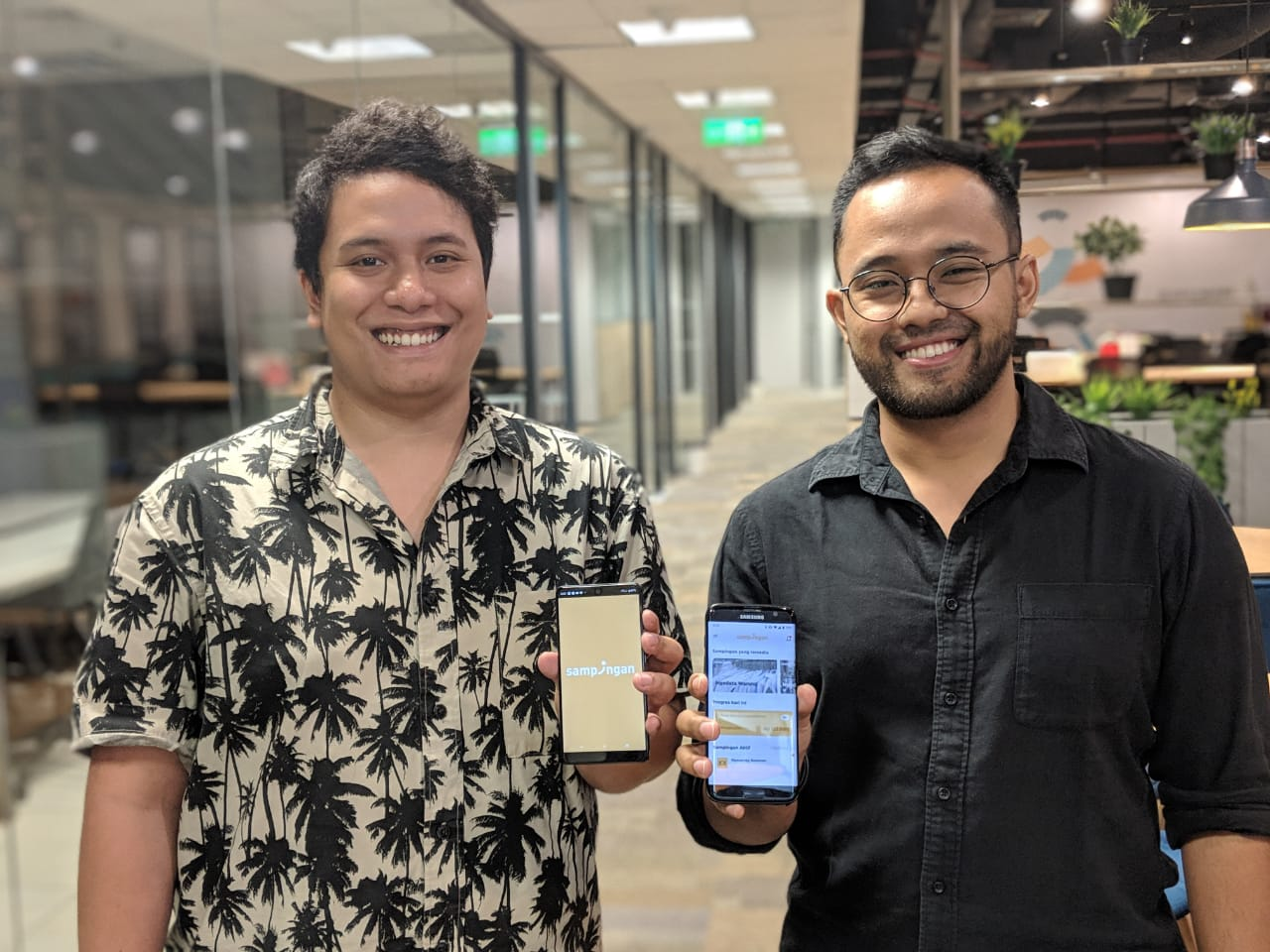 Margana Mohamad (COO) and Wisnu Nugrahadi (CEO), two of three Sampingan founders