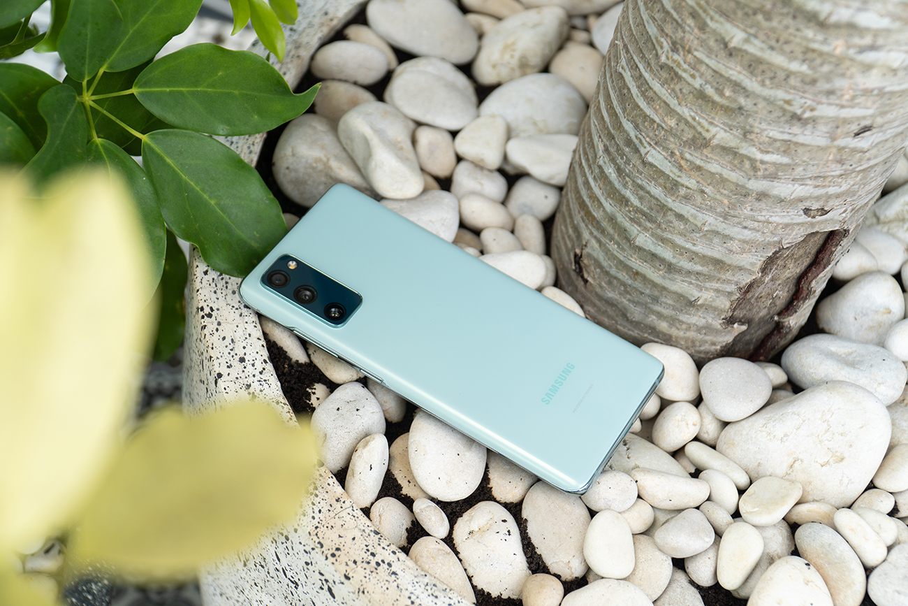 Review-Samsung-Galaxy-S20-FE-2